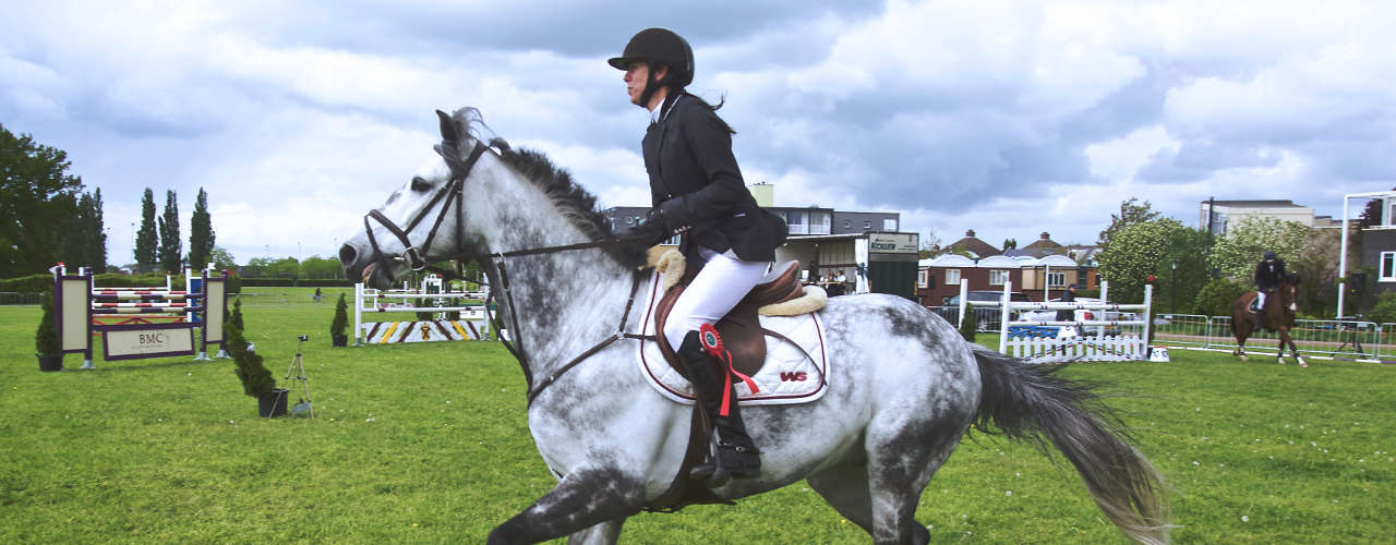 What to wear for horse riding: Tips for beginners